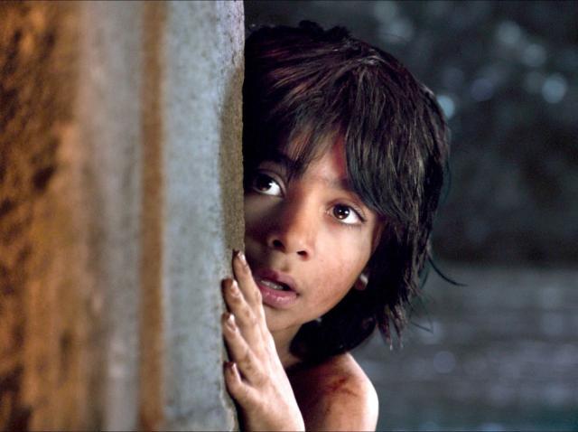 Neel Sethi în rolul lui Mowgli din ''Cartea Junglei''