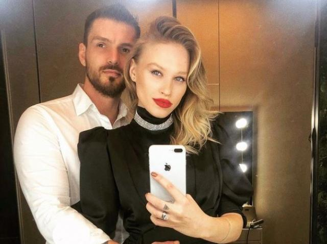 Bogdan Vladău si Gina Chirila imbratisati