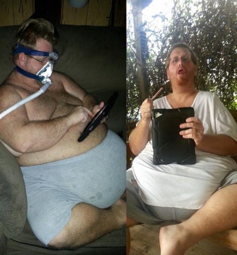 Zach Moore pe vremea când avea 226 kilograme, stând în haine de casă pe fotoliu, cu un aparat de oxigen la nas (stanga) sau stând pe banca in curtea casei, cu tableta in maini (dreapta)