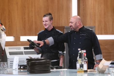 """Ce decizie a luat Adrian Luca de la """"Chefi la cuțite"""", după emisiune! Anunțul făcut de acesta: """"Mi-am dat seama"""""""