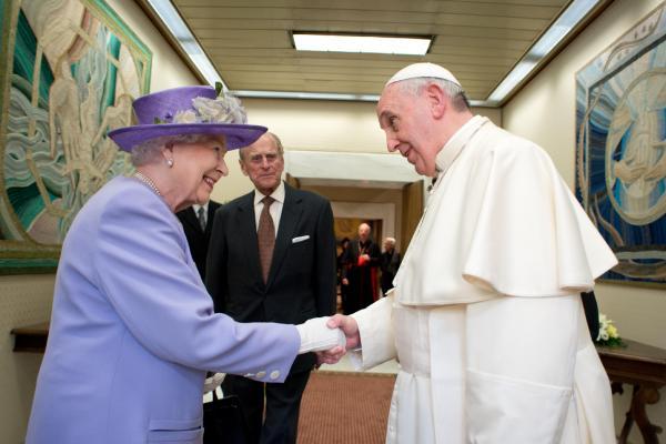 Regina Elisabeta si Papa