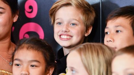 """Shiloh Jolie-Pitt a impresionat la premiera """"Eternals"""". Fiica Angelinei Jolie a strălucit pe covorul roșu alături de frații ei"""