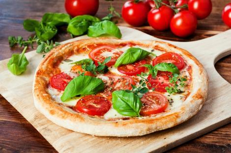 Rețeta zilei gătită de Vlăduț la Super Neatza, 7 octombrie 2021. Pizza Margherita