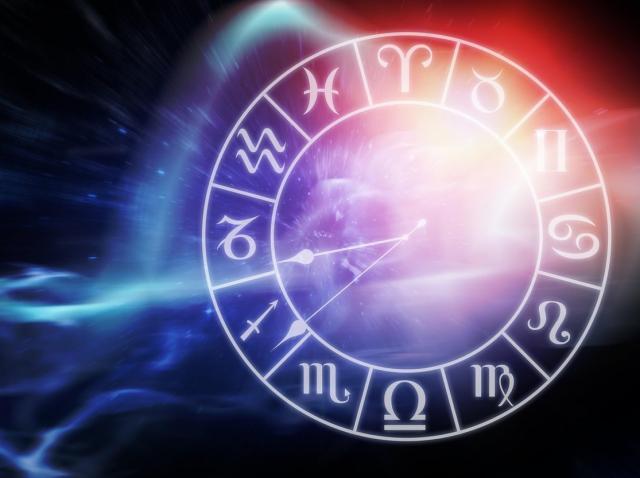 Horoscop rune 2021 luna februarie, cu Mihai Voropchievici. Ce rezervă astrele pentru luna iubirii