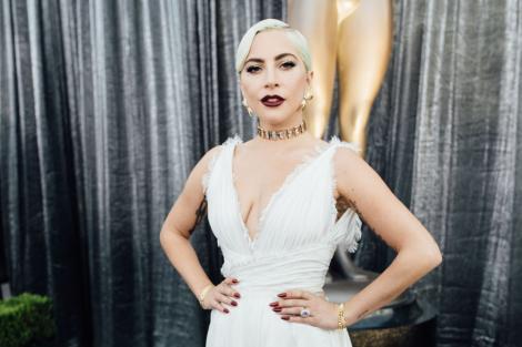 Doar ea putea avea curajul să se fotografieze așa. Cum arată Lady Gaga fără machiaj, într-o zi obișnuită