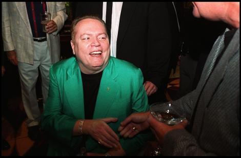 """A murit Larry Flynt, fondatorul revistei pentru adulți """"Hustler"""". Cine a fost milionarul și cum a ajuns într-un scaun cu rotile"""