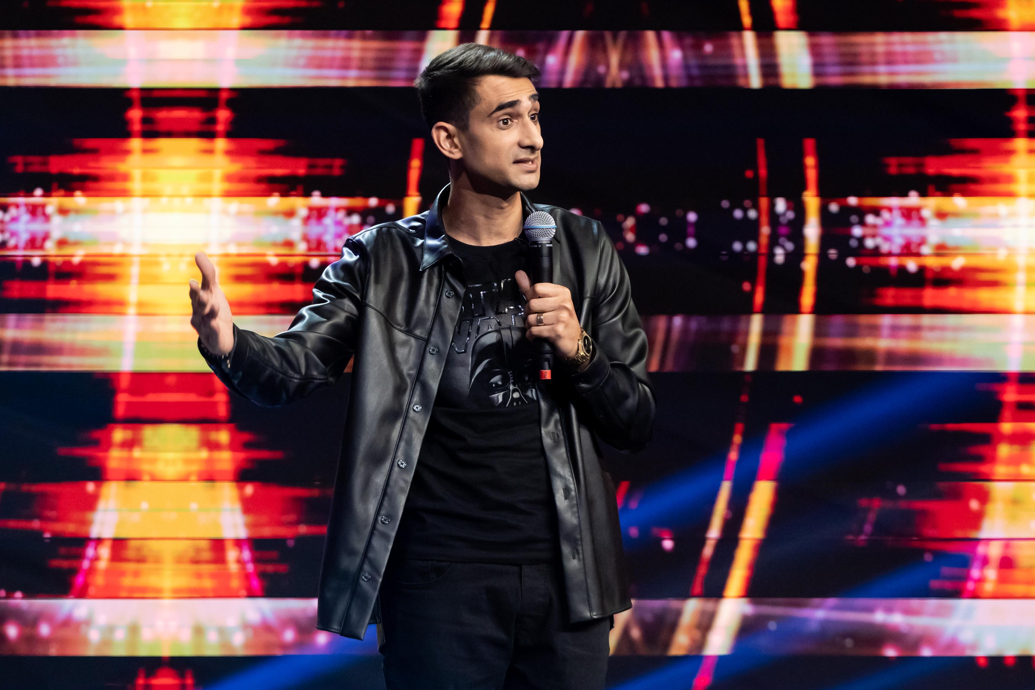 iUmor, 14 februarie 2021. Florin Gheorghe stârnește hohote de râs cu glume despre supereroul Rombo