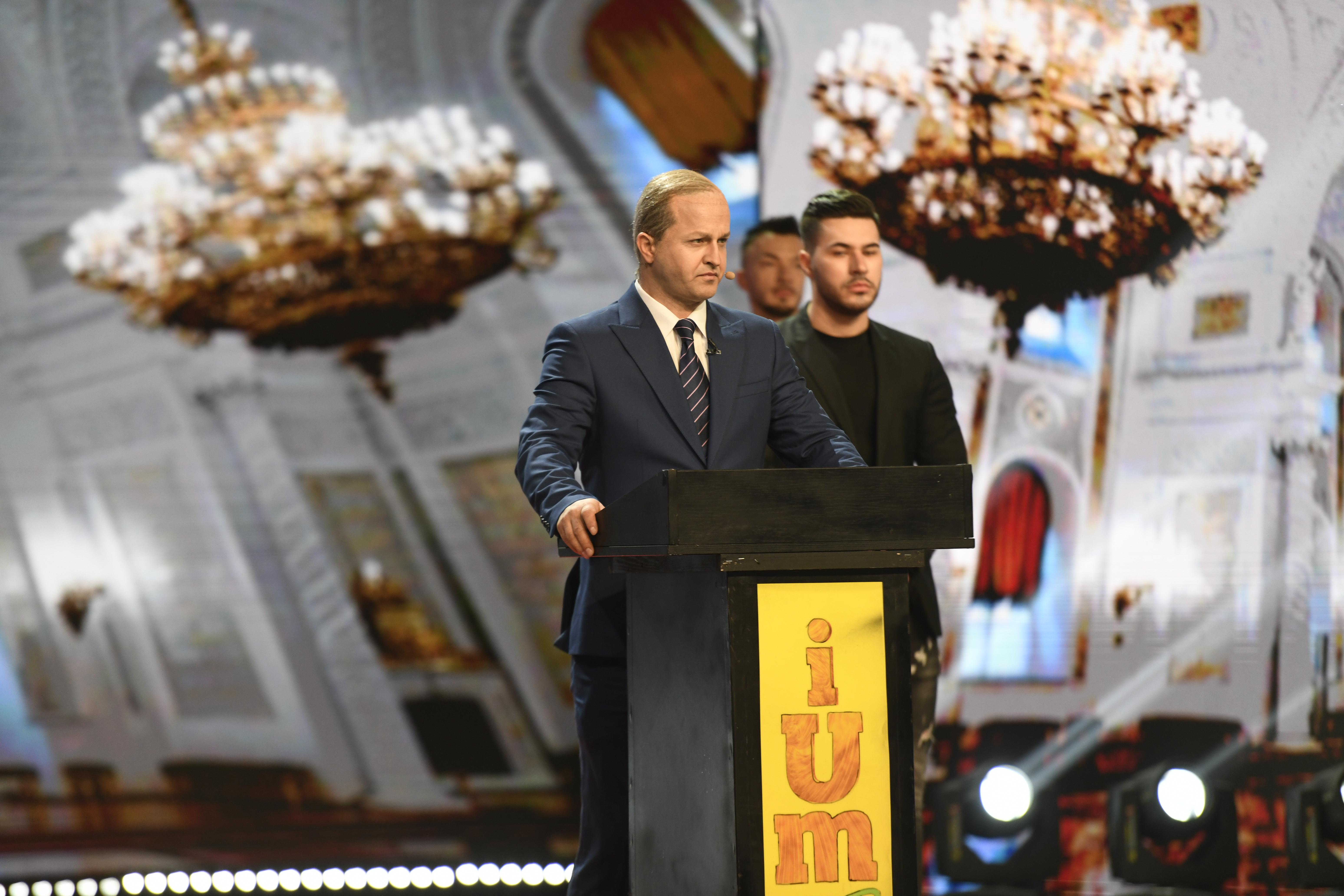 iUmor, 14 februarie 2021. Roast istoric la iUmor 10. Răzvan Oprea deghizat în Vladimir Putin ia cu asalt scena