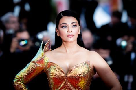 Cum arată fetița de 9 ani a actriței Aishwarya Rai, covor rosu, rochie aurie