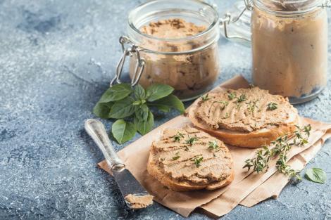 Pateul de pui preparat în casă este mai gustos și mai sănătos