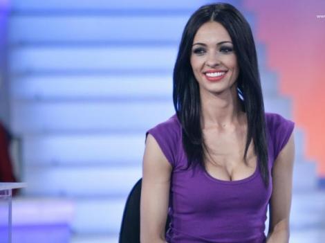 Îți amintești de Cosmina Păsărin? Cum arată și ce face acum bruneta sexy
