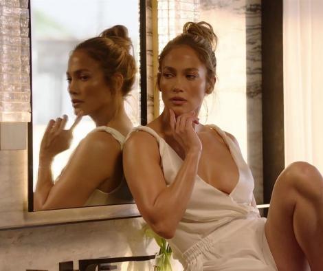 Imaginile publicate de Jennifer Lopez după ce a fost acuzată că și-a pus botox. Cum arată chipul cântăreței