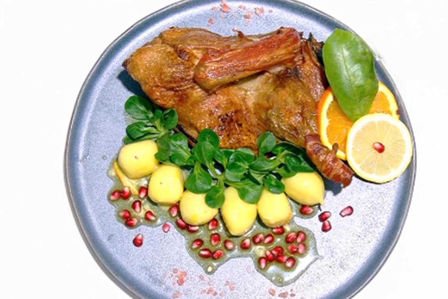 Rețetă de rață la cuptor umplută cu ceapă și portocale, preparată de Vlăduț la Neatza cu Răzvan și Dani