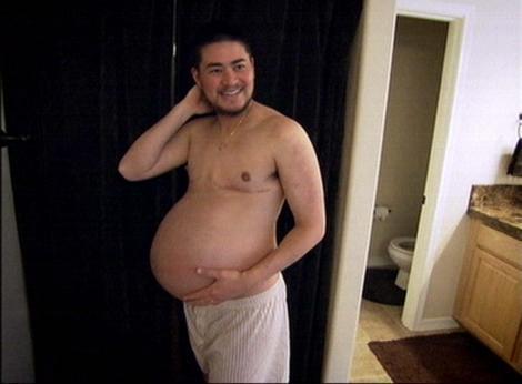 Thomas Beatie, cu burta de gravid, în anul 2008
