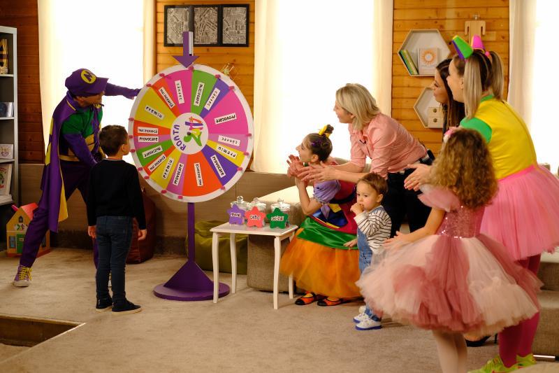 Mirela Vaida, alături de Carla, Vladimir și Tudor, cei trei copii ai săi, sunt invitații speciali ai Mirelei Retegan, la Roata Zurli, duminica aceasta