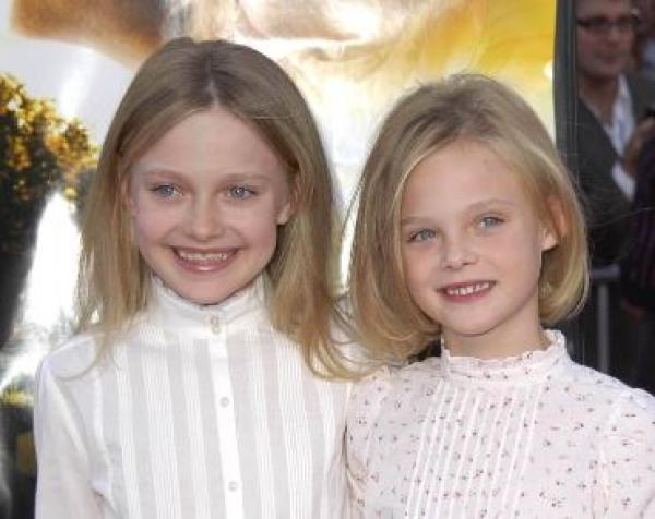 Elle și Dakota Fanning