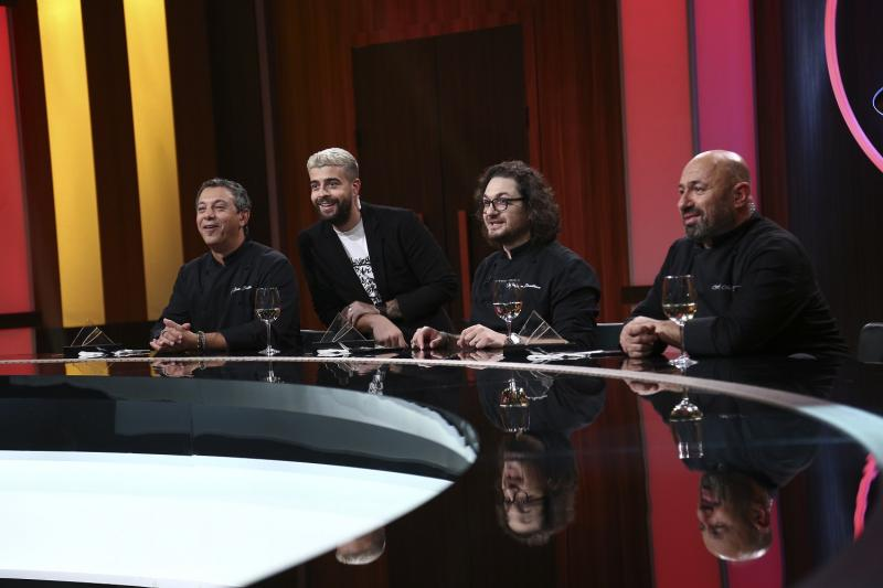 """Sorin Bontea, Speak, Florin Dumitrescu și Cătălin Scărlătescu la masa jurizării, în sezonul 9 """"Chefi la cuțite"""""""