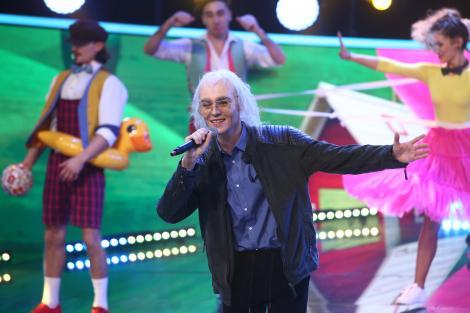 Te cunosc de undeva, 27 februarie 2021. Radu Ștefan Bănică a adus magia copilăriei pe scenă cu piesa lui Mihai Constantinescu