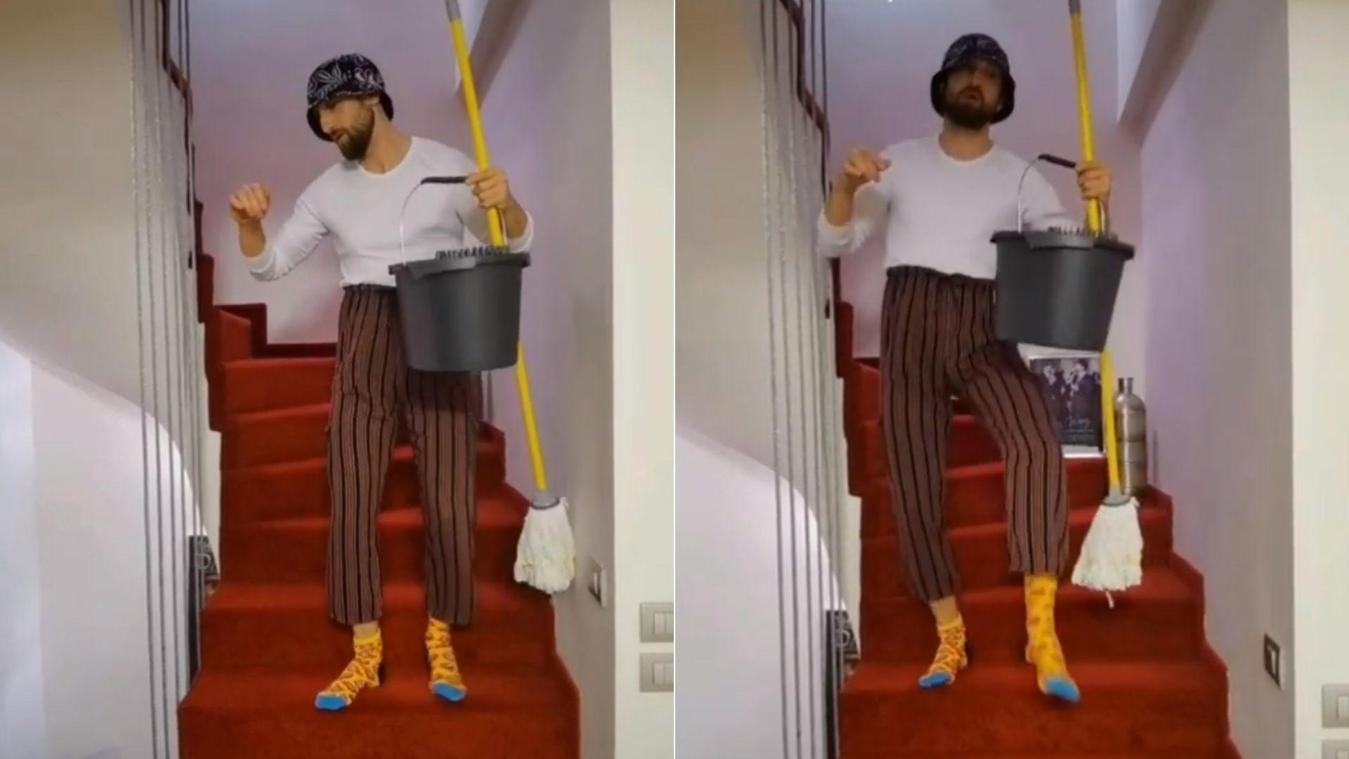 Cu pantalonii ridicați prea sus, bască și mop. Răzvan, Ramona și Ristei au recreat tiktok-ul viral al lui Oțil - VIDEO