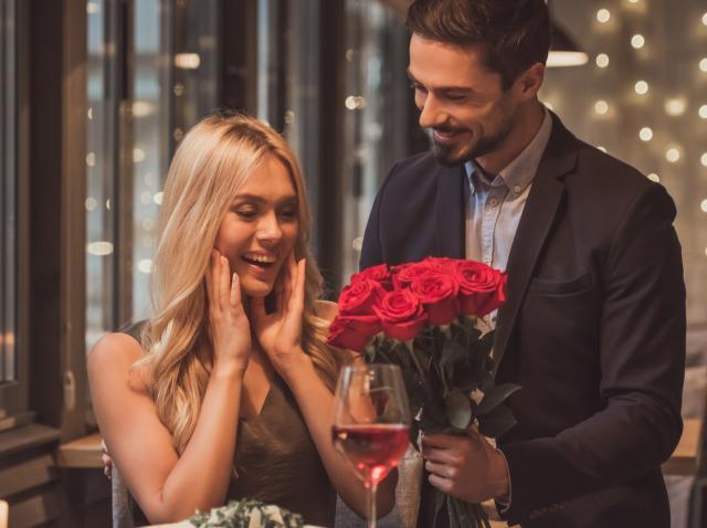 indragostiti care sarbatoresc pe 14 februarie valentine s day tinand cont de traditiile si obiceiurile sarbatorii iubirii