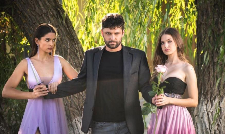 """Alecsandru Dunaev, Mara Oprea și Oana Moșneagu, jucând în serialul """"Adela"""" de pe Antena 1"""