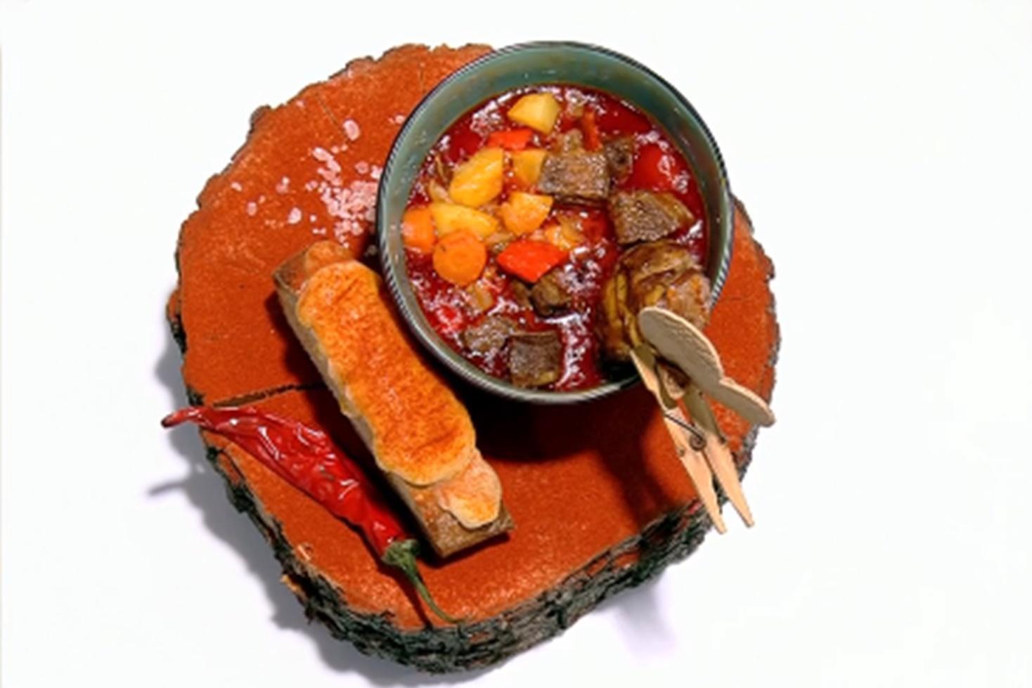 Rețetă de gulaș bavarez, preparată de Vlăduț la Neatza cu Răzvan și Dani