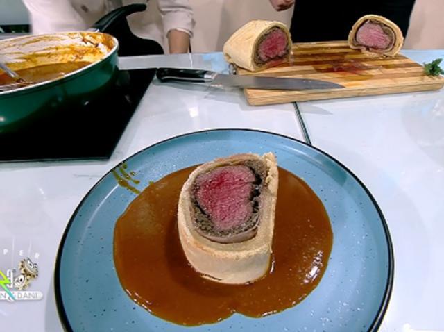 Celebra ruladă Beef Wellington, gătită de Chef Nicolai Tand