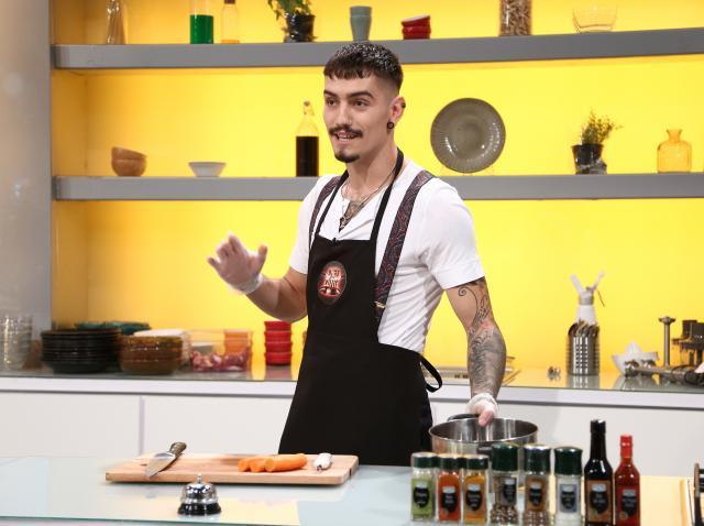 Emanuel Neagu la Chefi la cuțite