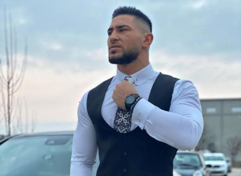 bogdan mocanu la camasa alba si cravata