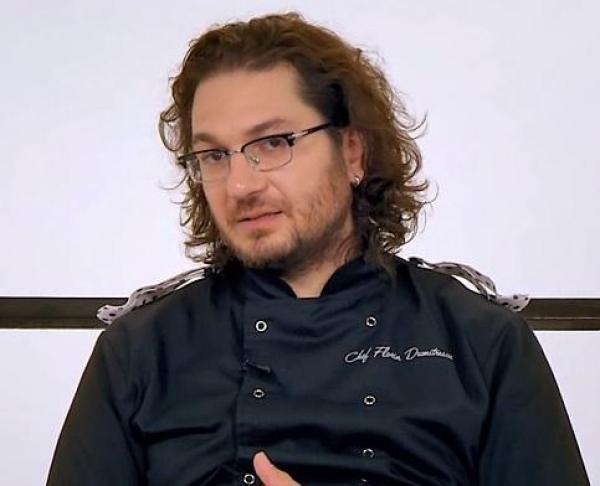 Chef Florin Dumitrescu, îmbrăcat în negru, la Chefi la cuțite