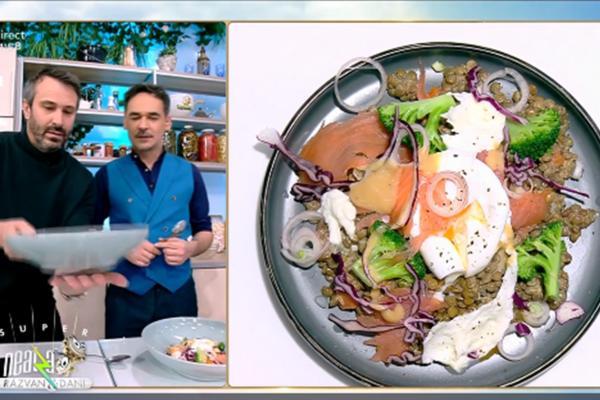 Salată de linte cu somon și ou poșat, rețeta lui Nicolai Tand