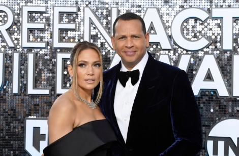 Cum au apărut în public Jennifer Lopez și Alex Rodriguez după ce s-a zvonit că s-au despărțit. Gestul face cât o mie de cuvinte