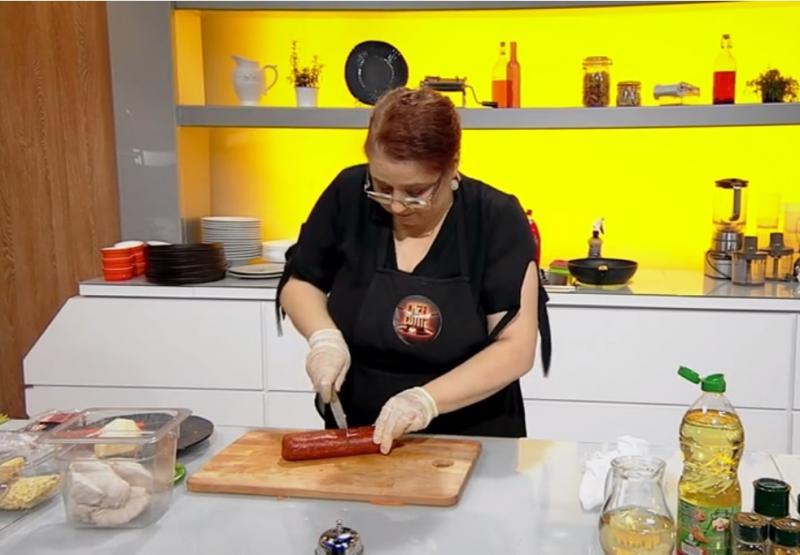 """Maria Prună gătind la """"Chefi la cuțite"""