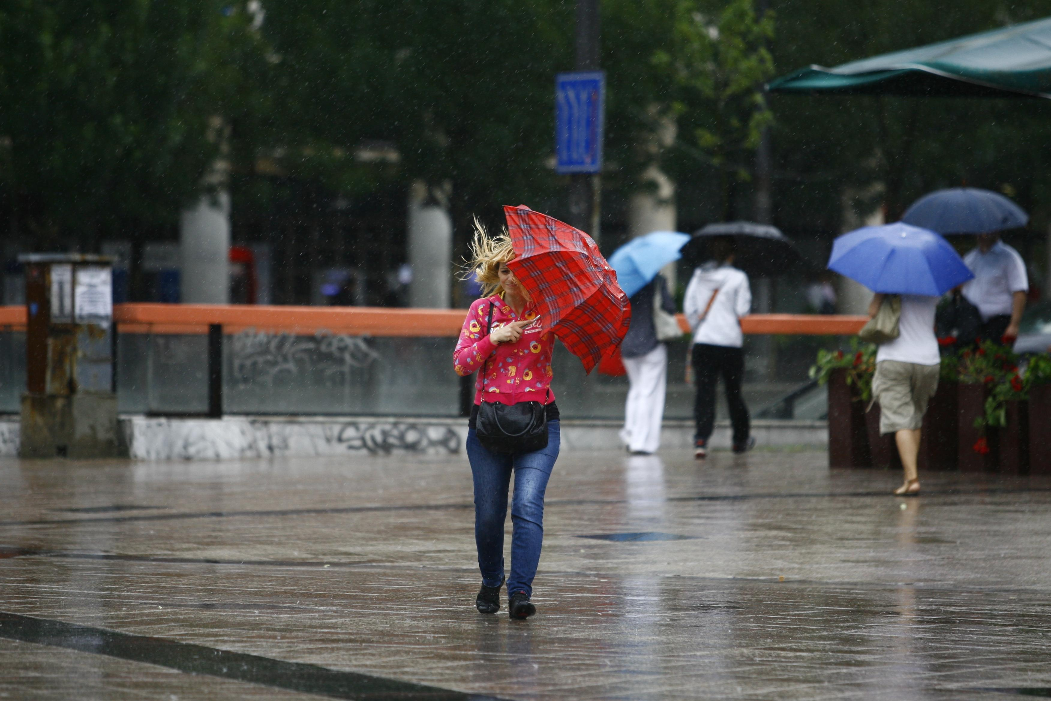 Alertă ANM! Cod galben de vreme rea. Ce regiuni sunt afectate și ce anunță meteorologii pentru următoarele săptămâni