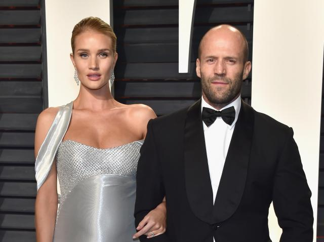 rosie huntington-whiteley, jason statham, covor rosu