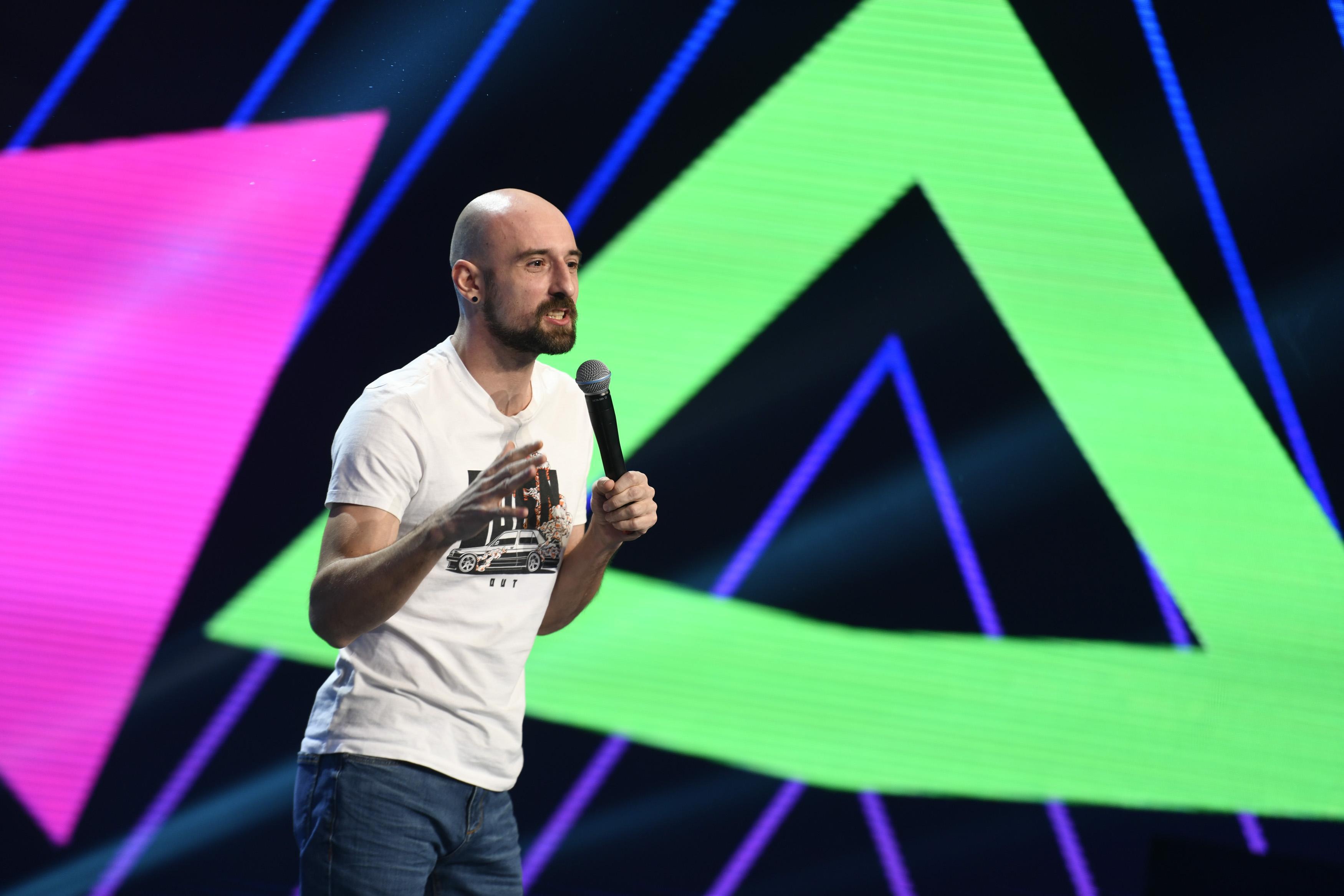 iUmor, 31 martie 2021. Andrei Negoiță, actorul cu glume la purtător, s-a dezlănțuit pe scena iUmor cu glume din desene animate
