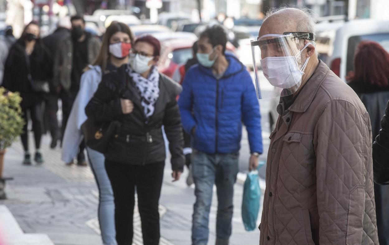 Bucureștiul, din nou în scenariul roșu. Numărul cazurilor de coronavirus continuă să crească