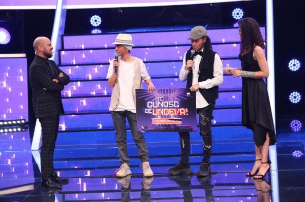 Ana și Raluka- ridicând premiul TCDU, gala 5