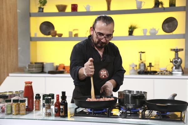 Tatăl lui Ruby, gătind la Chefi la cuțite