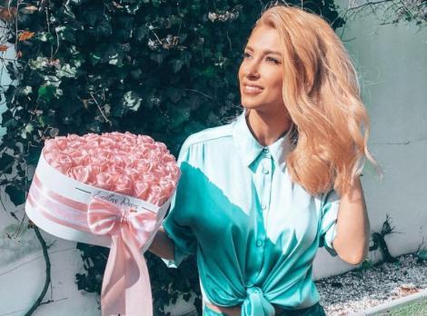 Recent Andreea Bălan a apărut cu o nuanță de portocaliu în păr
