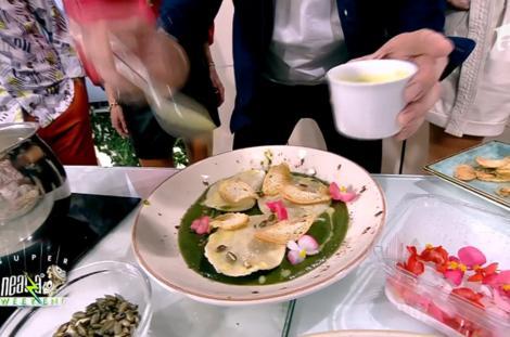 Supă cremă de verdețuri cu ravioli și crutoane, rețeta lui Nicolai Tand la Neatza de weekend