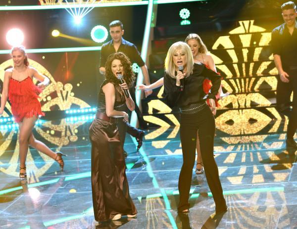 Raluka și Ana Baniciu, transformate în Gloria Estefan și Raffaella Carra