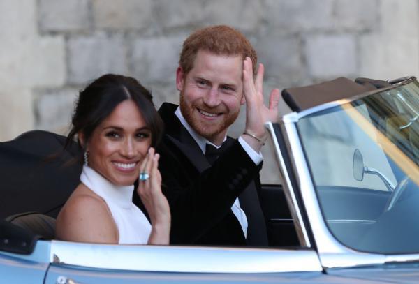 Meghan Markle și Prințul Harry în mașină