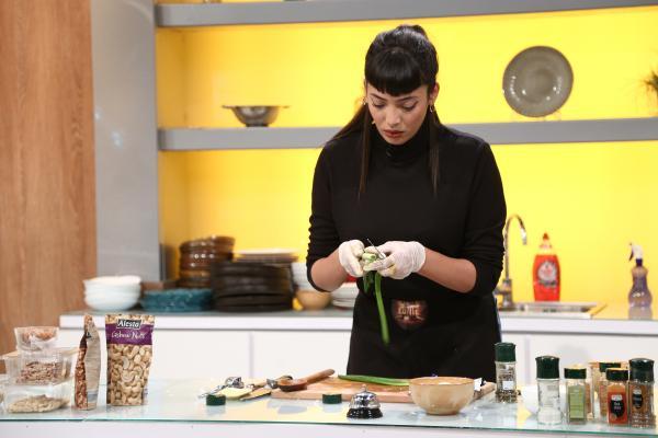 narymen abessi gătind în bucătăria chefi la cuțite