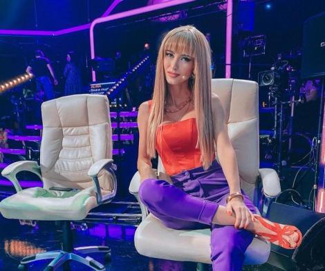 Andreea Bălan pregătește o nouă surpriză pentru fani. Ce ținută senzuală a ales să poarte în cel mai nou videoclip