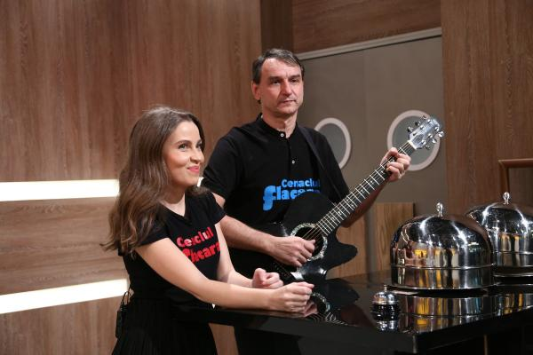 Andrei Păunescu și Maria Măgirescu pregătind cloșurile pentru degustare la chefi la cuțite