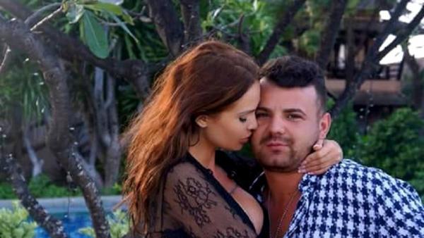 Maria Ilioiu în sărută pe obraz pe Aurel