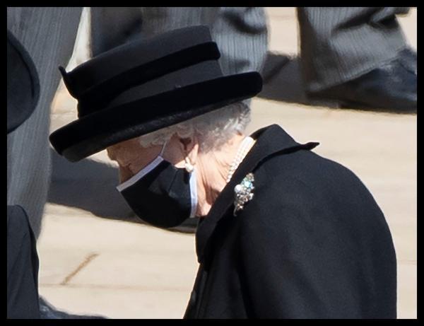 regina elisabeta a ii-a la inmormantarea printului philip