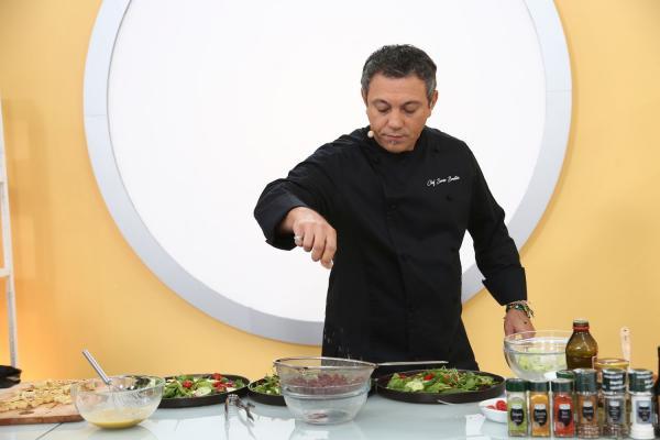Sorin Bontea, gătind la Chefi la cuțite