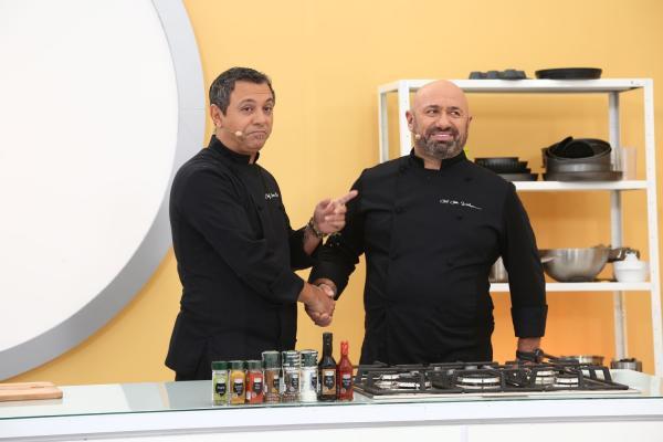 Chefii Sorin Bontea și Cătălin Scărlătescu, în platoul emisiunii Chefi la cuțite